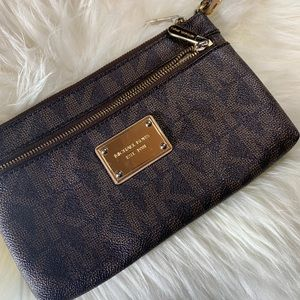 Michael Kors Jet Set Travel Large Logo Wristlet